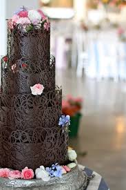 18 scrumptious chocolate wedding cakes