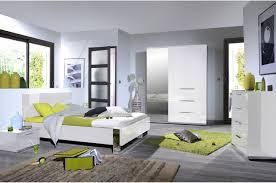 chambre à coucher blanche chambre à coucher blanc laqué chrome novomeuble