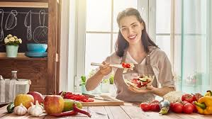 femme en cuisine banc d essai des nouveaux produits à adopter