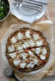 courgette cuisiner base de pizza à la courgette poudre d amande et graine de chia