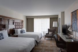 upscale hotel rooms in downtown austin near 6th street