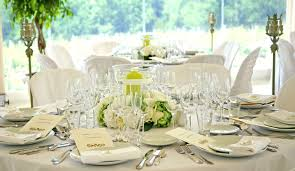 tons mariage traiteur de mariage table décoration tons vert blanc mariage
