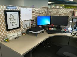 Work Desk Decoration Ideas Work Cubicle Decor Falledition Pinteres