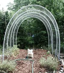Tomatoes Trellis The Ultimate Tomato Hoop House Trellis Of Death And Dismemberment