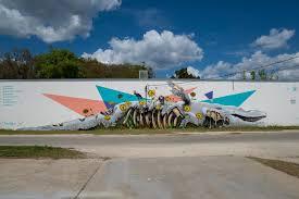 street artist ruben ubiera s life size whale mural creates shock street artist ruben ubiera s life size whale mural creates shock waves in gainesville florida 2017 graffiti street art news