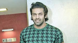 hairstyles new ealand arya spotted with a new hairstyle