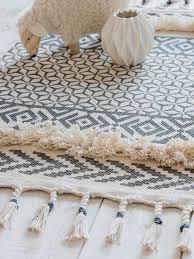 tapis pour chambre bébé tapis pour enfant des modèles qui vont aux grands comme aux petits