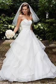 Wedding Dress For Curvy 25 Wedding Dresses That Are Perfect For Curvy Brides 2595772