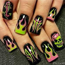 pink and green flames by oli123 from nail art gallery nail art