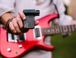 roadi u2013 automatic guitar tuner u2013 cool gadgets middle east