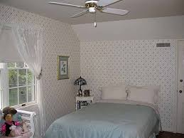 How To Decorate A Tiny Bedroom  Small Bedroom Design Ideas How - Bedroom wallpaper ideas decorating