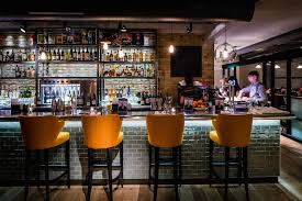 Top Cocktail Bars In London 3 Cocktail Bars To Visit In London Right Now The Gentlemans