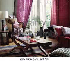 canapé style indien intérieur de l armoire de salon urbain indien inde banque d images