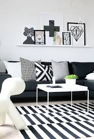 Black And White Rugs 20 Of The Best Colors To Pair With Black Or White Living Rooms