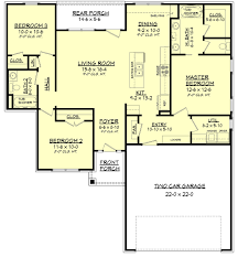 House Plans With 2 Master Bedrooms by Traditional Style House Plan 3 Beds 2 00 Baths 1381 Sq Ft Plan
