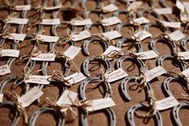 horseshoe wedding favors the idea of these horseshoe wedding favors bring luck to all