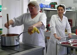 cuisine scolaire monteils le bonheur est dans l assiette 27 10 2012 ladepeche fr