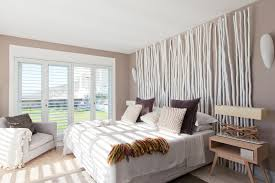photos and tips on decorating a contemporary bedroom
