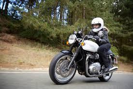 thruxton 1200 triumph motorcycles