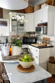 repainting kitchen cabinets white kitchen cabinet white dove painted kitchen cabinets white dove