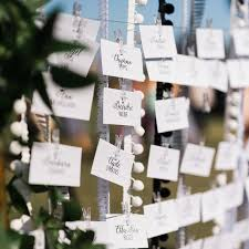 how to make table seating cards wedding escort cards vs place cards what s the difference brides