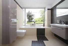 badezimmer ausstellung wohlfühl badezimmer live und in farbe in unserer bad comfort