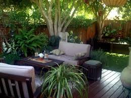 Front Garden Decor Traditional Garden Decorating Ideas That Have Two Big Trees And