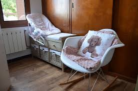 chaise chambre bébé décoration de chambre pour bébé fille dans ma tribu