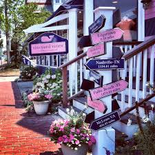 eight fun things to do in oak bluffs