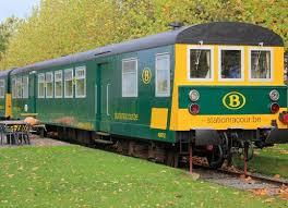 carrozze treni belgio due carrozze dei treni trasformate in vacanza a 4 stelle
