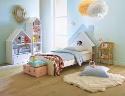 chambre bebe originale chambre montessori mois fille originale garcon bleu deco sauthon