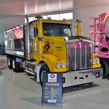 kenworth truck dealer file kenworth t408sar kenworth dealer hall of fame 2015 jpg