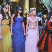 the 12 best halloween costumes from pretty little liars ok magazine