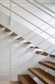 Height Of Handrails On Stairs by Best 25 Metal Handrails Ideas On Pinterest Stair Railing Design