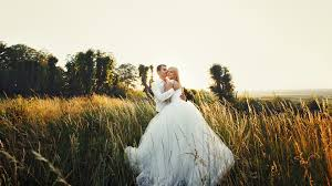 wedding photography lenses essential wide angle lenses for the wedding photographer b h explora