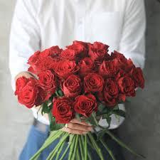 2 dozen roses abounding bundle of two dozen roses house