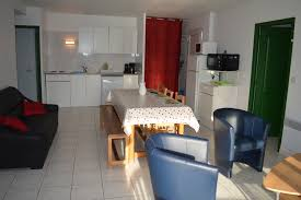 cuisine ouverte sur s our gîtes le moulin s c home rentals with swimming pool near