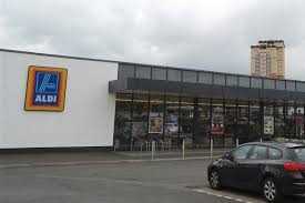 siege social aldi hungry thief banned from every aldi store after stealing from