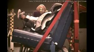 crash test siege auto 2014 kiddo pillow crash test clip