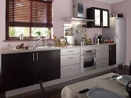 cuisine chez leroy merlin cuisine wengé avec store en bois exotique de chez leroy merlin