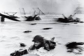 Marines Holding Flag Flag Raising On Iwo Jima 100 Photographs The Most Influential