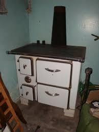 cuisine poele a bois cuisinière et poêle à bois ancien photo1 country house