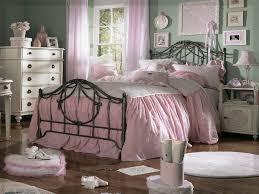 Schlafzimmer Antik Massiv Schlafzimmer Ideen Antik 06 Wohnung Ideen