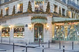 43 romantic paris christmas decorating ideas hello lovely