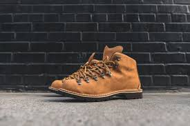 danner mountain light amazon danner mountain light what drops now