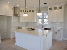 best paint color for a quick home sale white