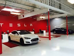tesla dealership how does tesla u0027ludicrous speed u0027 work
