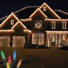 hanging christmas lights around windows tips tricks and design ideas for outdoor christmas lights