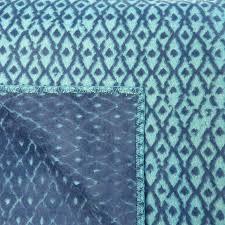 plaid turquoise pour canapé enfin un plaid bleu qui a de la classe