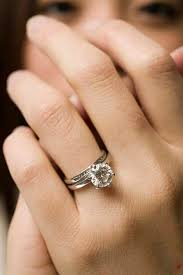 engagement ring right you re engaged now what the 12 things you need to do right after